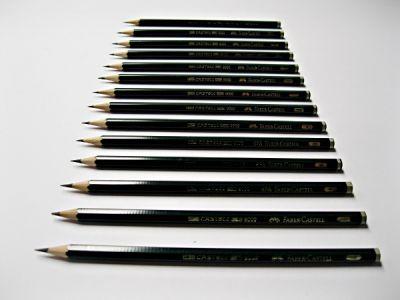 Grafitová tužka Faber-Castell