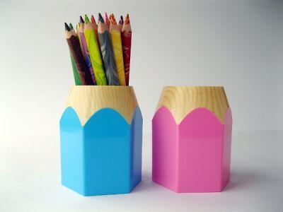 Stojánek na tužky - pastelka